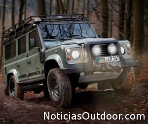 Land-Rover-Defender-Blaser-Edition-1-620x413[1].jpg (69 KB)